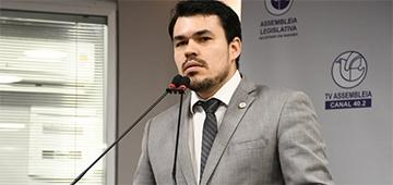 Coordenador de Ciências Contábeis Thyago Henriques discute a PEC 108/2019 em sessão especial na ALPB
